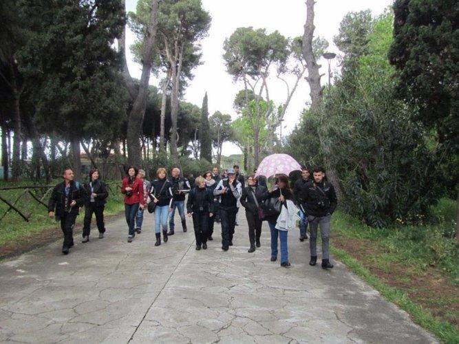 https://www.ragusanews.com/resizer/resize.php?url=https://www.ragusanews.com//immagini_articoli/11-05-2016/1462979136-2-in-giro-per-l-italia-in-moto.jpg&size=667x500c0