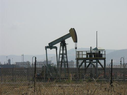 https://www.ragusanews.com/resizer/resize.php?url=https://www.ragusanews.com//immagini_articoli/11-07-2014/1405032284-0-estrazione-di-petrolio-ragusa-e-gela-fermano-i-pozzi.jpg&size=667x500c0