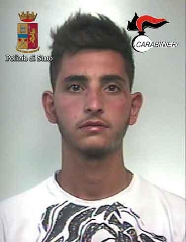 https://www.ragusanews.com/resizer/resize.php?url=https://www.ragusanews.com//immagini_articoli/11-07-2017/1499770781-1-maxi-rissa-scoglitti-cinque-arresti.jpg&size=384x500c0