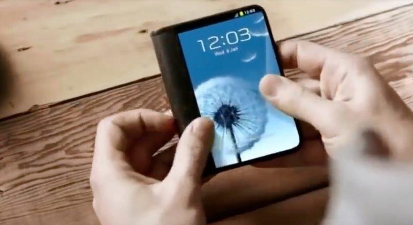 https://www.ragusanews.com/resizer/resize.php?url=https://www.ragusanews.com//immagini_articoli/11-09-2018/1536659455-1-arriva-smartphone-pieghevole-samsung-video.jpg&size=916x500c0