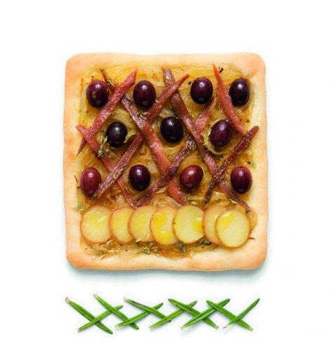 https://www.ragusanews.com/resizer/resize.php?url=https://www.ragusanews.com//immagini_articoli/11-11-2018/1541954885-1-ravioli-sono-pantone-primo-libro-ricette-colorate.jpg&size=471x500c0