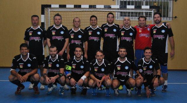 https://www.ragusanews.com/resizer/resize.php?url=https://www.ragusanews.com//immagini_articoli/11-12-2012/1396121137-pallamano-bilancio-positivo-per-lo-scicli-sport-club.jpg&size=907x500c0