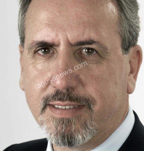 https://www.ragusanews.com/resizer/resize.php?url=https://www.ragusanews.com//immagini_articoli/11-12-2013/1396118482-scarso-indagano-il-comitato-pro-tribunale-siamo-increduli.jpg&size=479x500c0