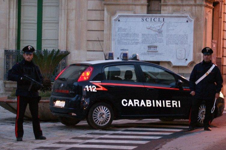 https://www.ragusanews.com/resizer/resize.php?url=https://www.ragusanews.com//immagini_articoli/11-12-2014/1418290050-0-uomo-scompare-di-casa-rintracciato-dai-carabinieri.jpg&size=752x500c0