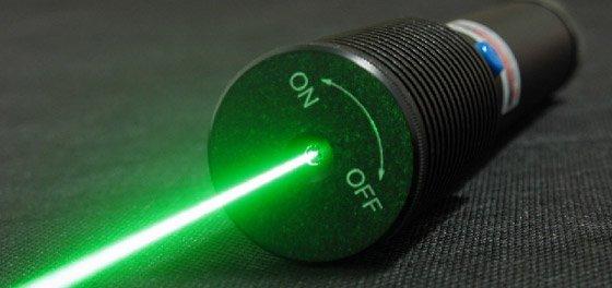 https://www.ragusanews.com/resizer/resize.php?url=https://www.ragusanews.com//immagini_articoli/12-02-2010/1396861590-raggi-laser-puntati-contro-gli-automobilisti.jpg&size=1061x500c0