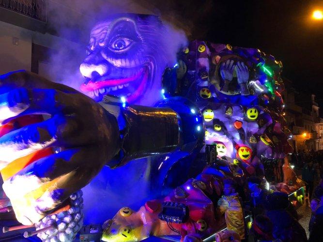 https://www.ragusanews.com/resizer/resize.php?url=https://www.ragusanews.com//immagini_articoli/12-02-2018/1518427776-10-carnevale-chiaramonte-grande-potenziale-ancora-inespresso.jpg&size=667x500c0
