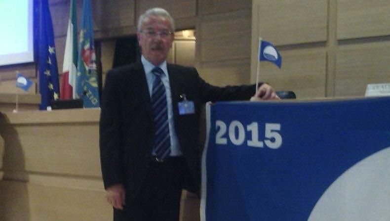 https://www.ragusanews.com/resizer/resize.php?url=https://www.ragusanews.com//immagini_articoli/12-05-2015/1431455481-0-bandiera-blu-per-pozzallo-e-ispica.jpg&size=884x500c0
