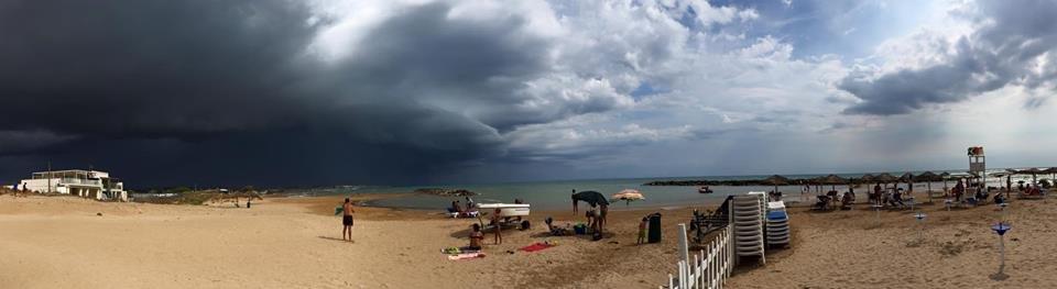 https://www.ragusanews.com/resizer/resize.php?url=https://www.ragusanews.com//immagini_articoli/12-08-2015/1439393372-0-diluvia-e-c-e-stato-anche-un-piccolo-sisma-in-mare.jpg&size=1825x500c0