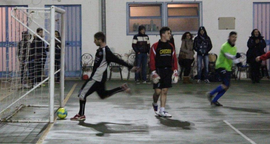https://www.ragusanews.com/resizer/resize.php?url=https://www.ragusanews.com//immagini_articoli/12-12-2013/1396118476-la-christmas-league-a-ragusa.jpg&size=933x500c0