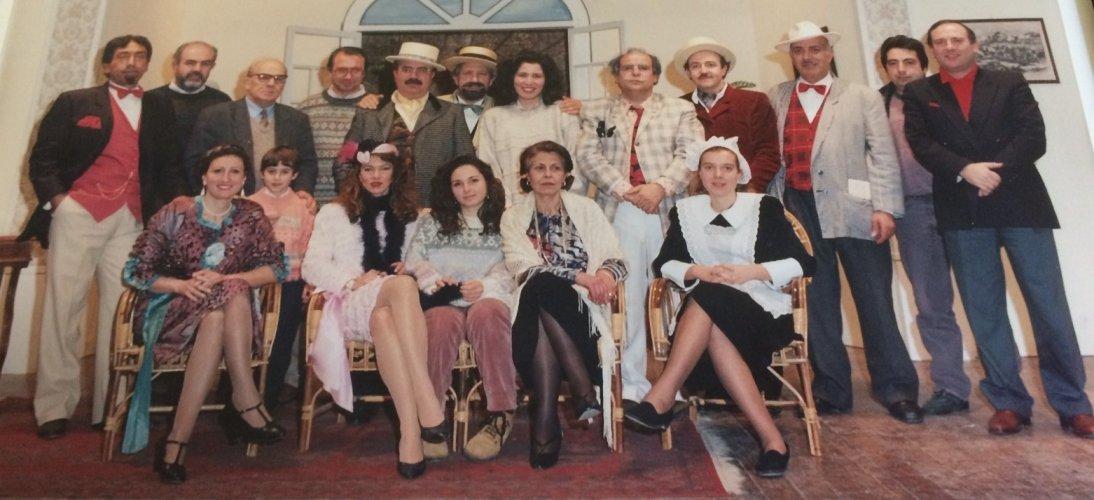 https://www.ragusanews.com/resizer/resize.php?url=https://www.ragusanews.com//immagini_articoli/12-12-2014/1418379680-0-i-40-del-teatro-popolare-di-ragusa.jpg&size=1094x500c0