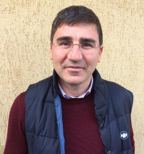 https://www.ragusanews.com/resizer/resize.php?url=https://www.ragusanews.com//immagini_articoli/13-04-2014/1397390540-tony-francone-coordinatore-di-rinascita-democratica-pd.jpg&size=468x500c0