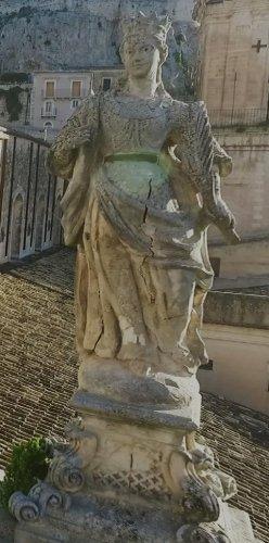 https://www.ragusanews.com/resizer/resize.php?url=https://www.ragusanews.com//immagini_articoli/13-05-2019/1557743323-1-santa-cirilla-la-santa-ritrovata-a-modica-foto.jpg&size=248x500c0