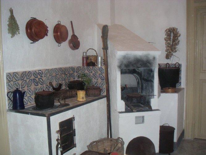 https://www.ragusanews.com/resizer/resize.php?url=https://www.ragusanews.com//immagini_articoli/13-12-2012/1396121130-il-forno-siciliano-tannur-tannura.jpg&size=667x500c0