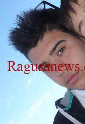 https://www.ragusanews.com/resizer/resize.php?url=https://www.ragusanews.com//immagini_articoli/14-01-2015/1421217578-0-cade-dal-tetto-di-un-capannone-muore-giovanni-distefano-18-anni.jpg&size=344x500c0