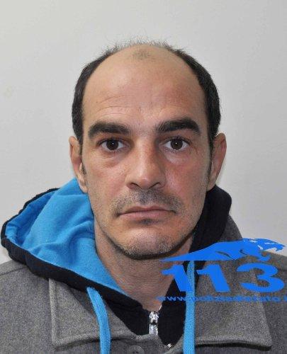 https://www.ragusanews.com/resizer/resize.php?url=https://www.ragusanews.com//immagini_articoli/14-03-2014/1396117717-arrestato-a-vittoria-il-modicano-giampiero-modica.jpg&size=405x500c0