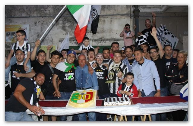 https://www.ragusanews.com/resizer/resize.php?url=https://www.ragusanews.com//immagini_articoli/14-05-2012/1396122091-juventini-in-festa-anche-a-monterosso.jpg&size=764x500c0