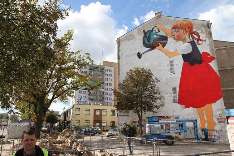 https://www.ragusanews.com/resizer/resize.php?url=https://www.ragusanews.com//immagini_articoli/14-07-2015/1436900441-0-a-ragusa-si-sfogano-con-la-street-art.jpg&size=750x500c0