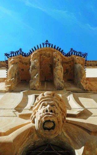 https://www.ragusanews.com/resizer/resize.php?url=https://www.ragusanews.com//immagini_articoli/14-08-2014/1408026865-0-i-mascheroni-tardobarocci-siciliani.jpg&size=313x500c0