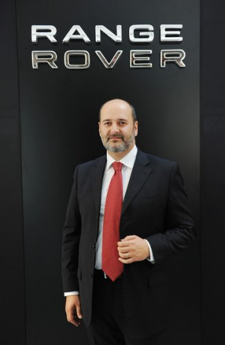 https://www.ragusanews.com/resizer/resize.php?url=https://www.ragusanews.com//immagini_articoli/14-09-2014/1410720379-1-un-modicano-ai-vertici-di-land-rover-e-jaguar-italia.jpg&size=326x500c0