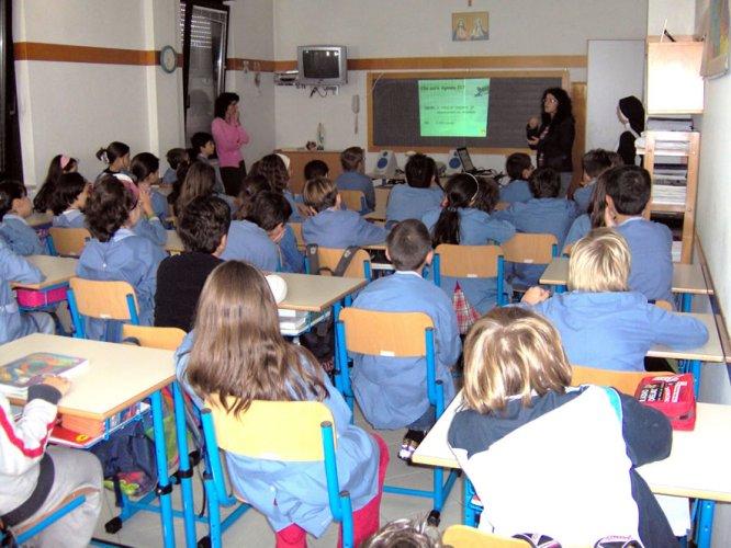 https://www.ragusanews.com/resizer/resize.php?url=https://www.ragusanews.com//immagini_articoli/14-11-2011/1396123121-ispica-il-pd-contro-il-ridimensionamento-scolastico-della-giunta-rustico.jpg&size=666x500c0