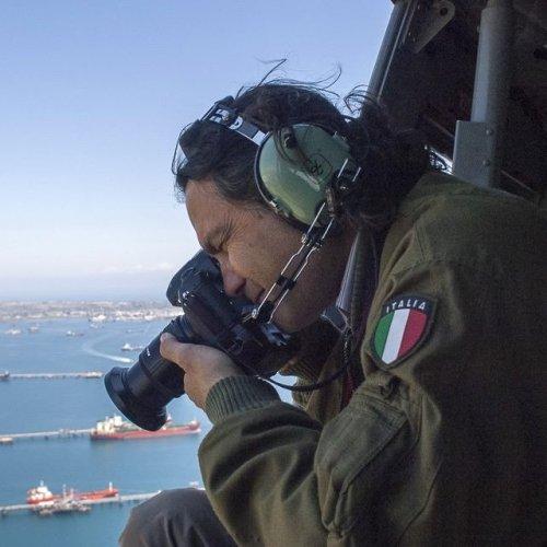 https://www.ragusanews.com/resizer/resize.php?url=https://www.ragusanews.com//immagini_articoli/14-11-2018/1542217493-1-sicilia-vista-luigi-nifosi-mostra-modica-foto.jpg&size=500x500c0