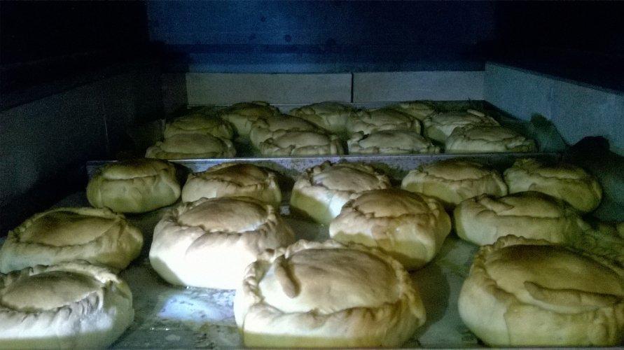 https://www.ragusanews.com/resizer/resize.php?url=https://www.ragusanews.com//immagini_articoli/15-04-2017/1492280406-4-mpanate-pastizzi-cassateddi-gastronomia-pasqua-iblea-video.jpg&size=891x500c0