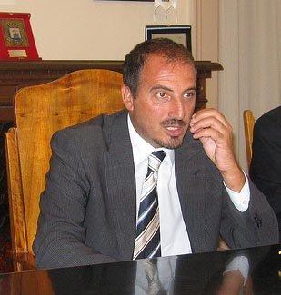 https://www.ragusanews.com/resizer/resize.php?url=https://www.ragusanews.com//immagini_articoli/15-05-2011/1396124144-avevano-ragione-scicli-modica-ispica-e-pozzallo-conferiscano-a-ragusa.jpg&size=475x500c0