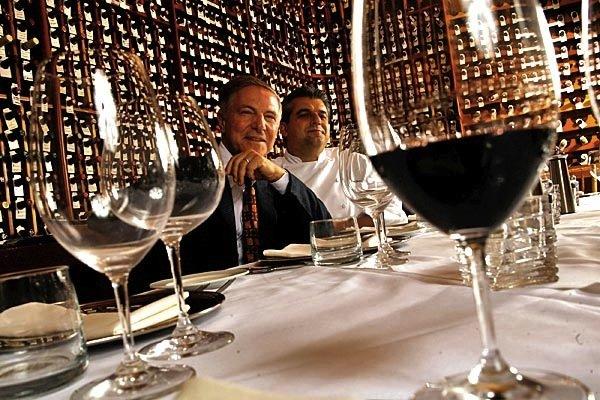 https://www.ragusanews.com/resizer/resize.php?url=https://www.ragusanews.com//immagini_articoli/15-07-2014/1405412417-1-80-della-loren-al-ristorante-del-modicano-piero-selvaggio.jpg&size=750x500c0
