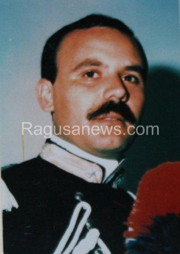 https://www.ragusanews.com/resizer/resize.php?url=https://www.ragusanews.com//immagini_articoli/16-01-2014/1396118211-il-18-gennaio-la-commemorazione-dei-carabinieri-fava-e-garofalo.jpg&size=356x500c0