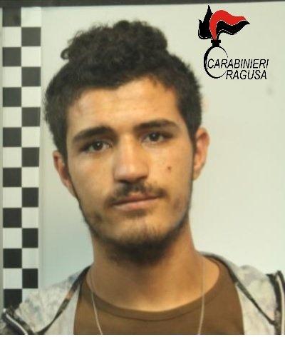 https://www.ragusanews.com/resizer/resize.php?url=https://www.ragusanews.com//immagini_articoli/16-01-2018/1516101482-1-droga-nove-arresti-ragusano-spaccio-eroina-donna.jpg&size=424x500c0
