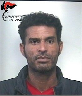 https://www.ragusanews.com/resizer/resize.php?url=https://www.ragusanews.com//immagini_articoli/16-01-2018/1516101482-4-droga-nove-arresti-ragusano-spaccio-eroina-donna.jpg&size=427x500c0
