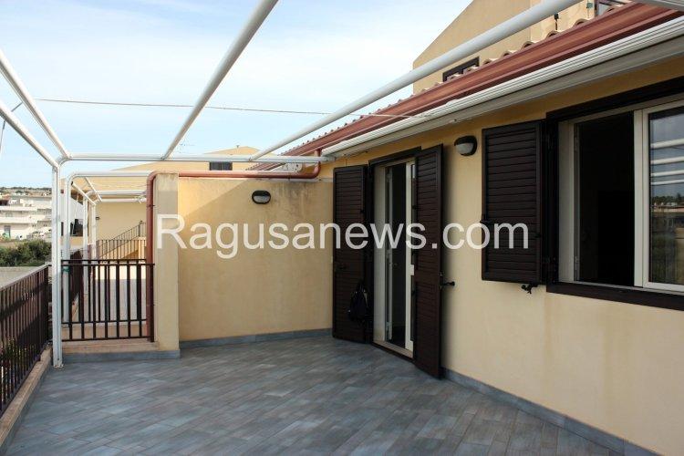 https://www.ragusanews.com/resizer/resize.php?url=https://www.ragusanews.com//immagini_articoli/16-03-2015/1426494693-1-affitto-appartamento-a-donnalucata.jpg&size=750x500c0