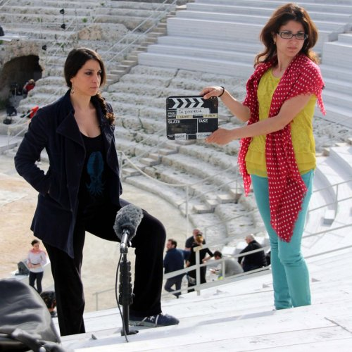 https://www.ragusanews.com/resizer/resize.php?url=https://www.ragusanews.com//immagini_articoli/16-03-2016/1458135361-0-cose-di-donne-donne-siciliane.jpg&size=500x500c0