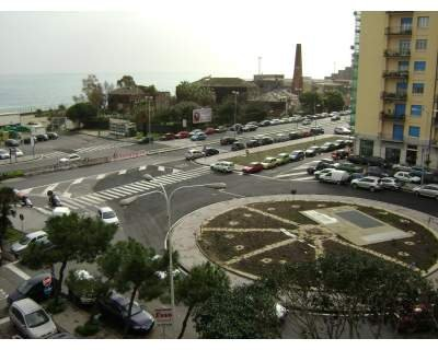https://www.ragusanews.com/resizer/resize.php?url=https://www.ragusanews.com//immagini_articoli/16-04-2015/1429180201-0-evaso-da-ragusa-rintracciato-a-catania.jpg&size=625x500c0