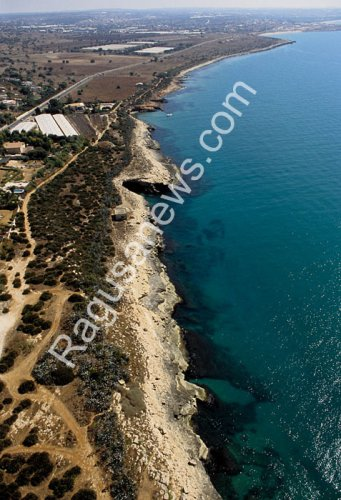 https://www.ragusanews.com/resizer/resize.php?url=https://www.ragusanews.com//immagini_articoli/16-05-2011/1396124137-il-parco-di-costa-di-carro-tra-sentieri-e-colori.jpg&size=341x500c0