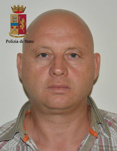 https://www.ragusanews.com/resizer/resize.php?url=https://www.ragusanews.com//immagini_articoli/16-06-2016/1466073760-1-cocaina-arrestati-due-spacciatori-albanesi.jpg&size=388x500c0