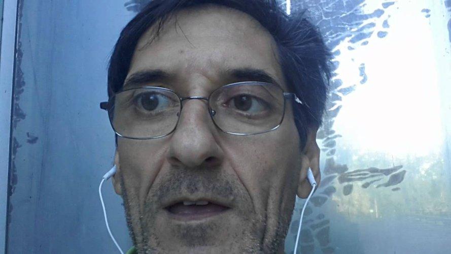 https://www.ragusanews.com/resizer/resize.php?url=https://www.ragusanews.com//immagini_articoli/16-06-2016/1466110062-0-salvo-mandara-ex-cameraman-di-grillo-io-vittima-di-ricatto-sex.jpg&size=889x500c0
