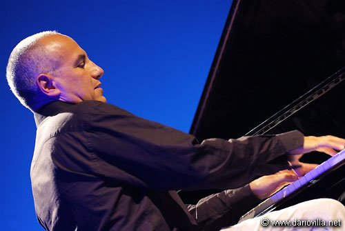 https://www.ragusanews.com/resizer/resize.php?url=https://www.ragusanews.com//immagini_articoli/16-07-2014/1405501886-0-danilo-rea-in-concerto-ad-agrigento.jpg&size=746x500c0