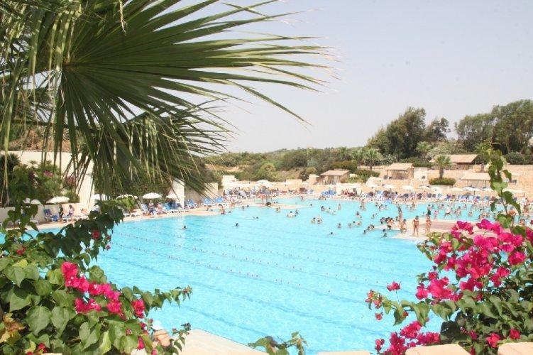 https://www.ragusanews.com/resizer/resize.php?url=https://www.ragusanews.com//immagini_articoli/16-09-2011/1396123504-il-vostro-evento-aziendale-in-spiaggia-al-club-med-di-kamarina.jpg&size=751x500c0