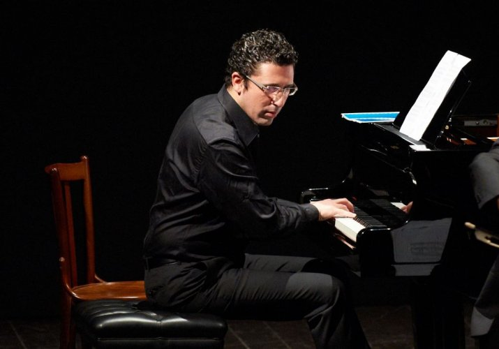 https://www.ragusanews.com/resizer/resize.php?url=https://www.ragusanews.com//immagini_articoli/16-09-2015/1442389005-0-magie-barocche-concerto-a-scicli.jpg&size=715x500c0