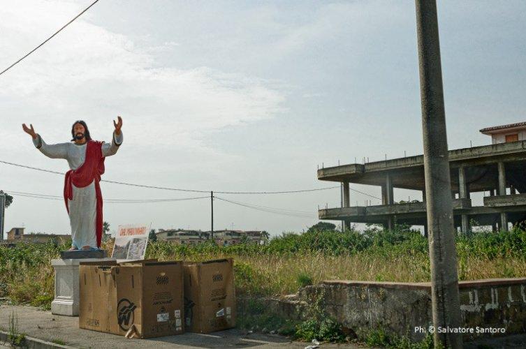 https://www.ragusanews.com/resizer/resize.php?url=https://www.ragusanews.com//immagini_articoli/16-10-2014/1413478811-0-a-castelnuovo-dove-risplende-la-fotografia-sostenibile.jpg&size=753x500c0