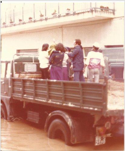 https://www.ragusanews.com/resizer/resize.php?url=https://www.ragusanews.com//immagini_articoli/16-10-2018/1539678812-1-cattaneo-allagata-pozzallo-settembre-1979-foto.jpg&size=412x500c0