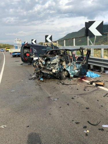 https://www.ragusanews.com/resizer/resize.php?url=https://www.ragusanews.com//immagini_articoli/16-11-2018/1542378766-2-incidente-morti-quattro-feriti-butera.jpg&size=375x500c0