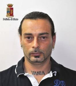 https://www.ragusanews.com/resizer/resize.php?url=https://www.ragusanews.com//immagini_articoli/17-02-2016/1455717215-0-6-anni-per-andrea-gambini-per-il-tentato-omicidio-in-discoteca.jpg&size=442x500c0