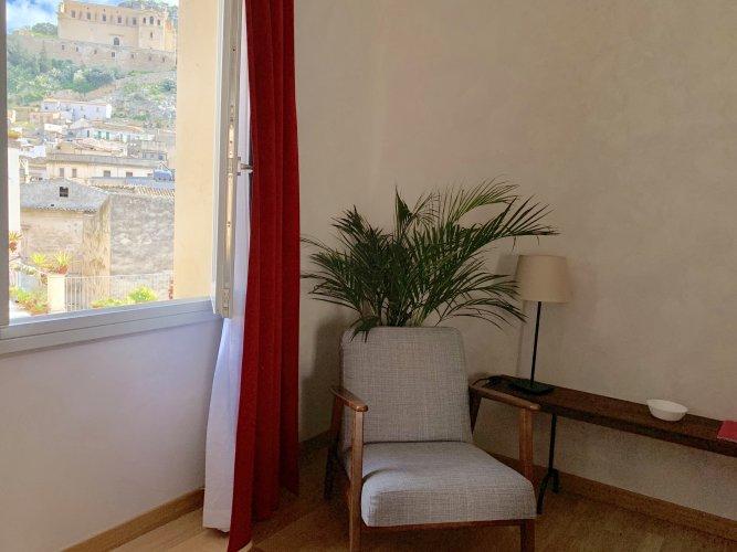 https://www.ragusanews.com/resizer/resize.php?url=https://www.ragusanews.com//immagini_articoli/17-04-2019/1555512315-1-scicli-riapre-al-pubblico-palazzo-bonelli-patane.jpg&size=667x500c0