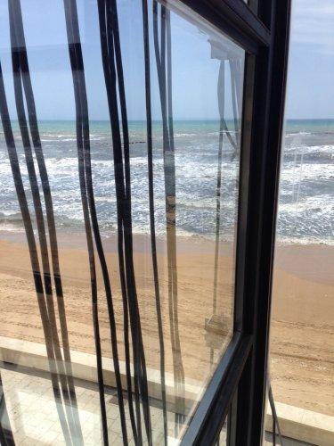 https://www.ragusanews.com/resizer/resize.php?url=https://www.ragusanews.com//immagini_articoli/17-05-2015/1431891189-0-un-installazione-a-marina-di-ragusa.jpg&size=375x500c0
