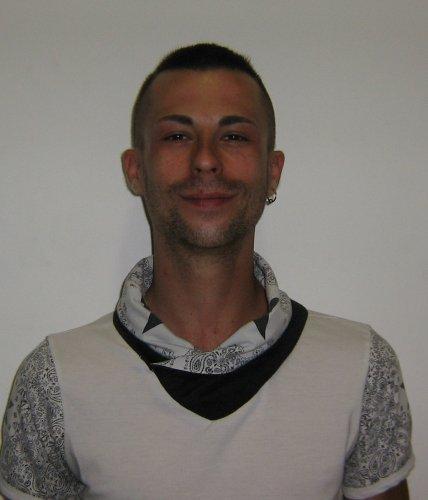 https://www.ragusanews.com/resizer/resize.php?url=https://www.ragusanews.com//immagini_articoli/17-06-2016/1466160430-2-droga-altri-quattro-arresti-ci-sono-anche-due-italiani.jpg&size=428x500c0
