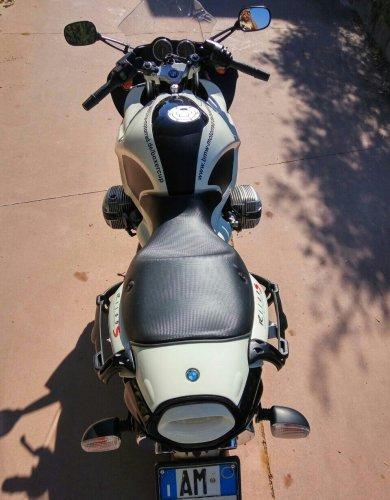 https://www.ragusanews.com/resizer/resize.php?url=https://www.ragusanews.com//immagini_articoli/17-10-2017/1508227566-1-vendesi-motocicletta-modello-r1100s.jpg&size=390x500c0
