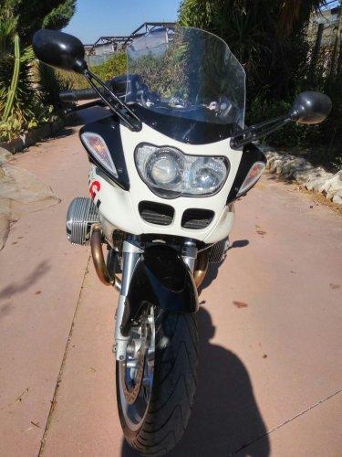https://www.ragusanews.com/resizer/resize.php?url=https://www.ragusanews.com//immagini_articoli/17-10-2017/1508227566-2-vendesi-motocicletta-modello-r1100s.jpg&size=375x500c0