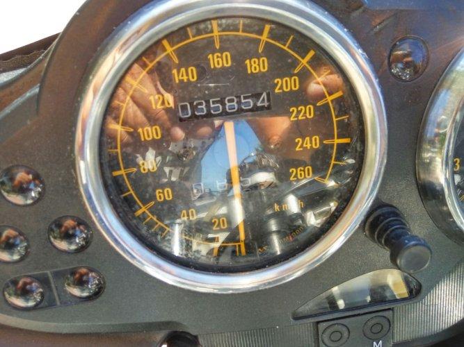 https://www.ragusanews.com/resizer/resize.php?url=https://www.ragusanews.com//immagini_articoli/17-10-2017/1508227566-3-vendesi-motocicletta-modello-r1100s.jpg&size=667x500c0